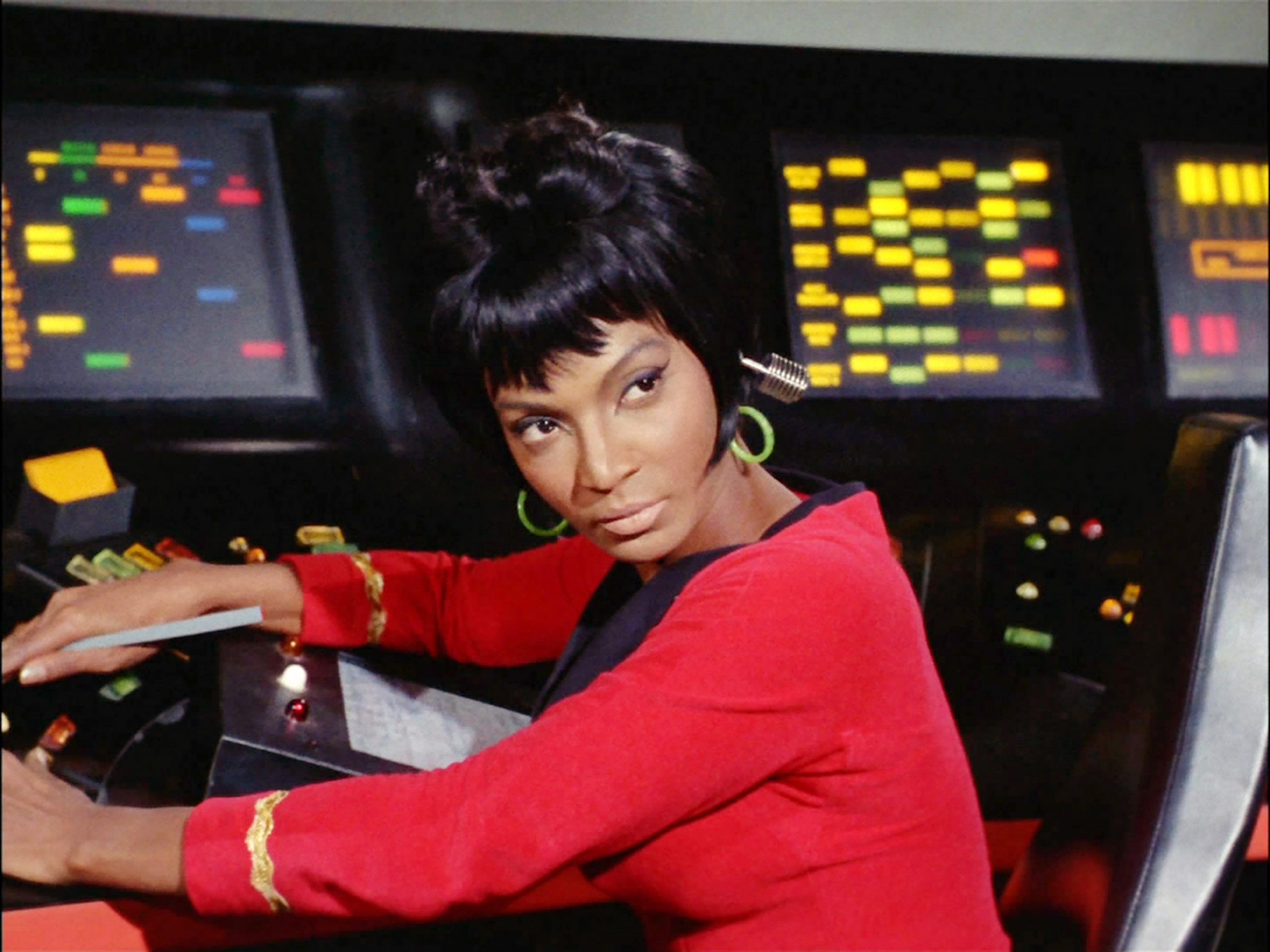 """LOS ANGELES - JANUARY 19: Nichelle Nichols as Lt. Nyota Uhura in the STAR TREK: THE ORIGINAL SERIES episode, """"Arena."""" Original air date January 19, 1967. Image is a screen grab. (Photo by CBS via Getty Images)"""