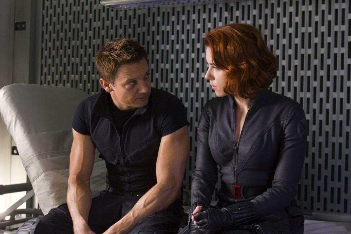 Marvel Heroes Clint Barton, Hawkeye, and Natasha Romanoff talking in The Avengers.