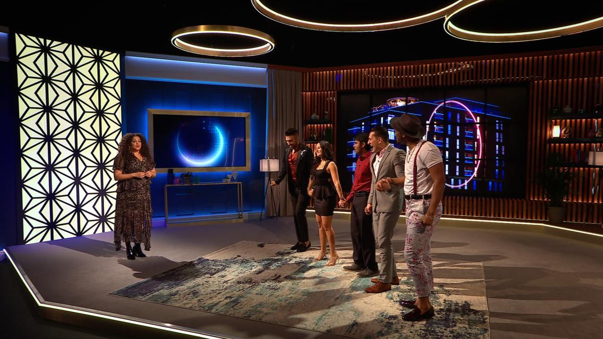 The final five contestants of The Circle.