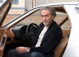 035_NOMOS_Glashuette_Werner_Aisslinger_in_his_car
