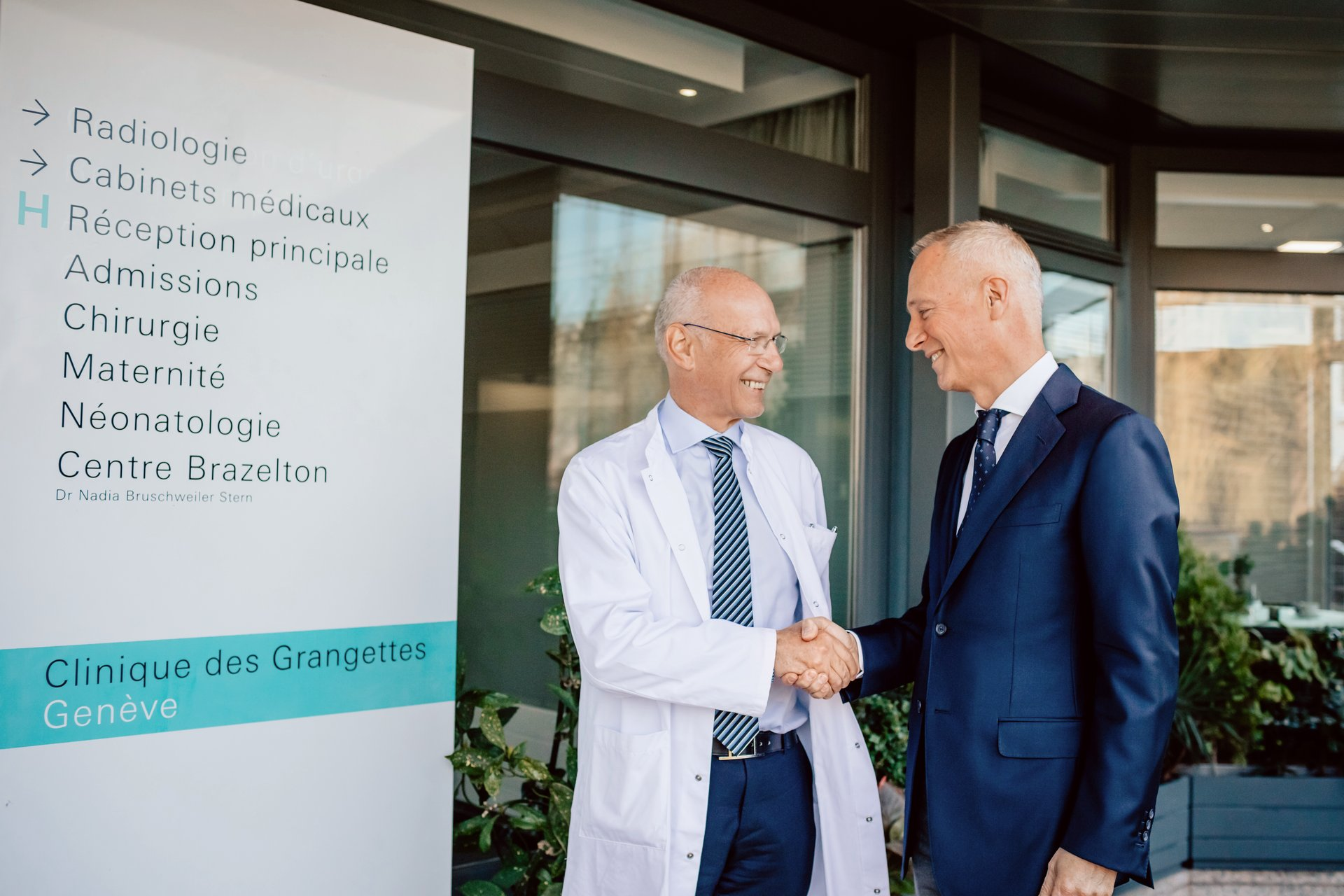 Lange CEO Wilhelm Schmid and Professor André Kaelin from the foundation Children Action