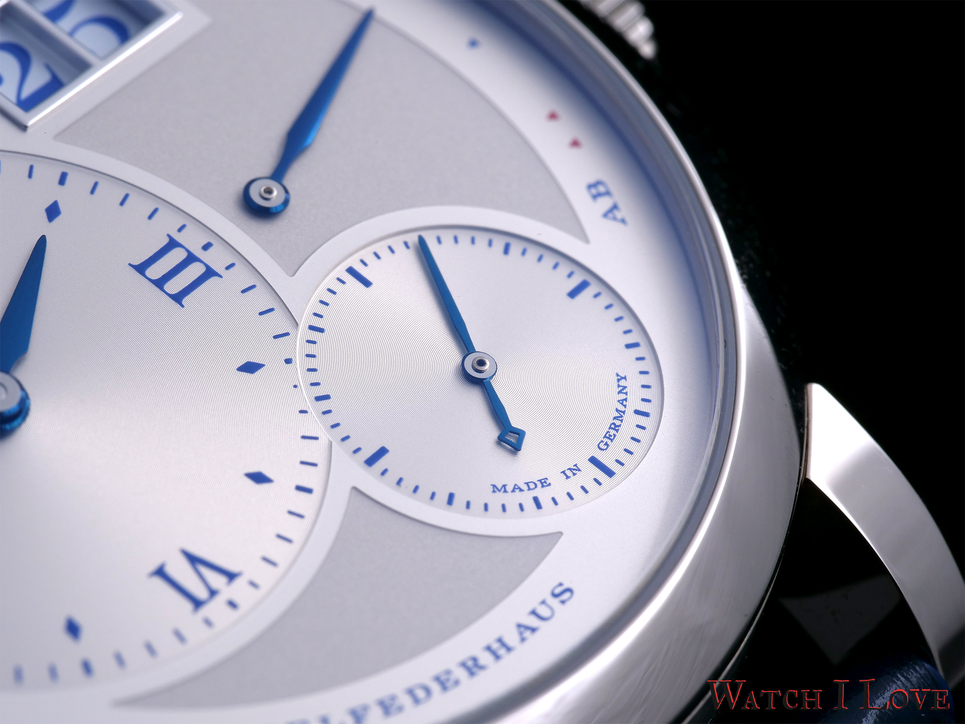 Lange 1 small seconds