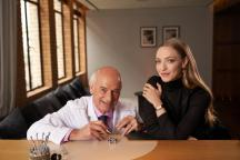 Amanda Seyfried with Jaeger-LeCoultre watchmaker Christian Laurent 2