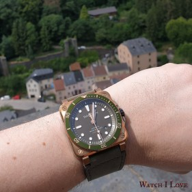 A view of the Vianden village with BR03-92 on the wrist