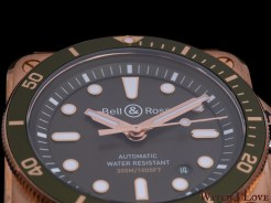 The dial of the Green Bronze Diver
