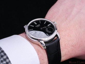 Czapek_Quai_des_Bergues_black-enamel_wrist