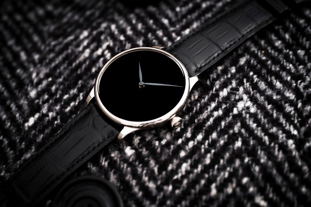H. Moser & Cie. Venturer Vantablack Black Hands Ref. 2327-0222