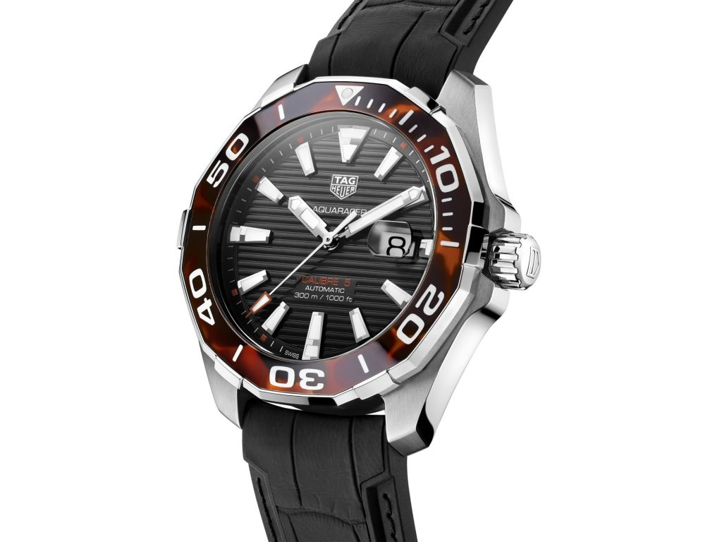 TAG Heuer Aquaracer 43 mm Tortoise Shell Effect Calibre 5 Automatic in Brown WAY201N.FT6177 2020 HD