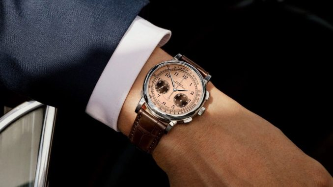 The pink-gold dial is a special hallmark of the 2021 Concorso Edition.