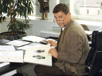 Günter Blümlein in his office, 2000