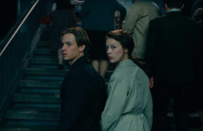 never look away couple