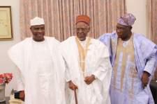 Shagari with former President Olusegun Obasanjo and Sokoto State Governor Aminu Tambuwal