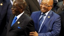 Mugabe with former South African President Jacob Zuma