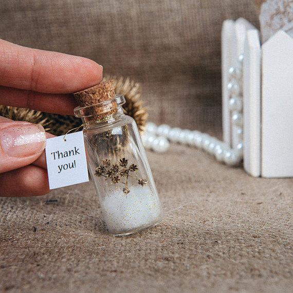minimalist gift