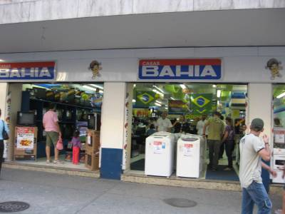 Via Varejo lança fintech banQi de olho em classes C e D