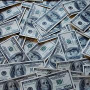 Dólar tem semana em queda de 2,69% após reforma da Previdência