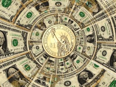 Dólar encerra em alta com piora em turbulência externa