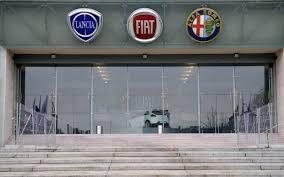 O grupo Fiat Chrysler (FCA) informou nesta quarta-feira (5) que retirou sua oferta de fusão com a montadora francês Renault.