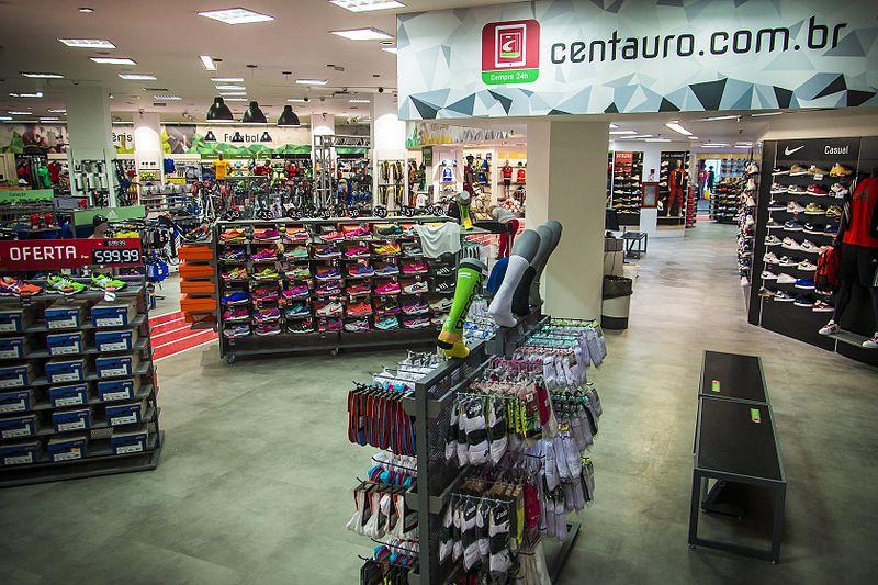 9a2553731 Em disputa por Netshoes, Centauro supera oferta do Magazine Luiza