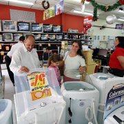 Consumo pode impulsionar crescimento do PIB brasileiro, diz Moody's