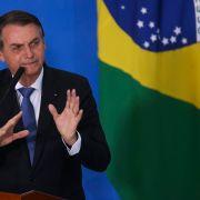 Jair Bolsonaro anuncia isenção de visto para chineses