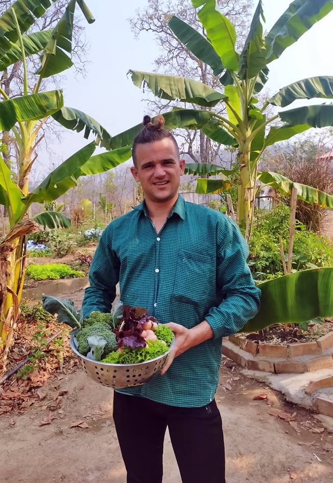 Privé de la manne touristique, la petite de Pai dans le nord de la Thaïlande a du réinventer un mode vie plus traditionnel, plus proche de la nature