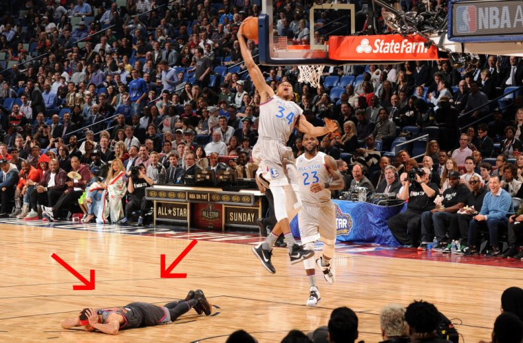 Steph-Curry-on-the-Floor