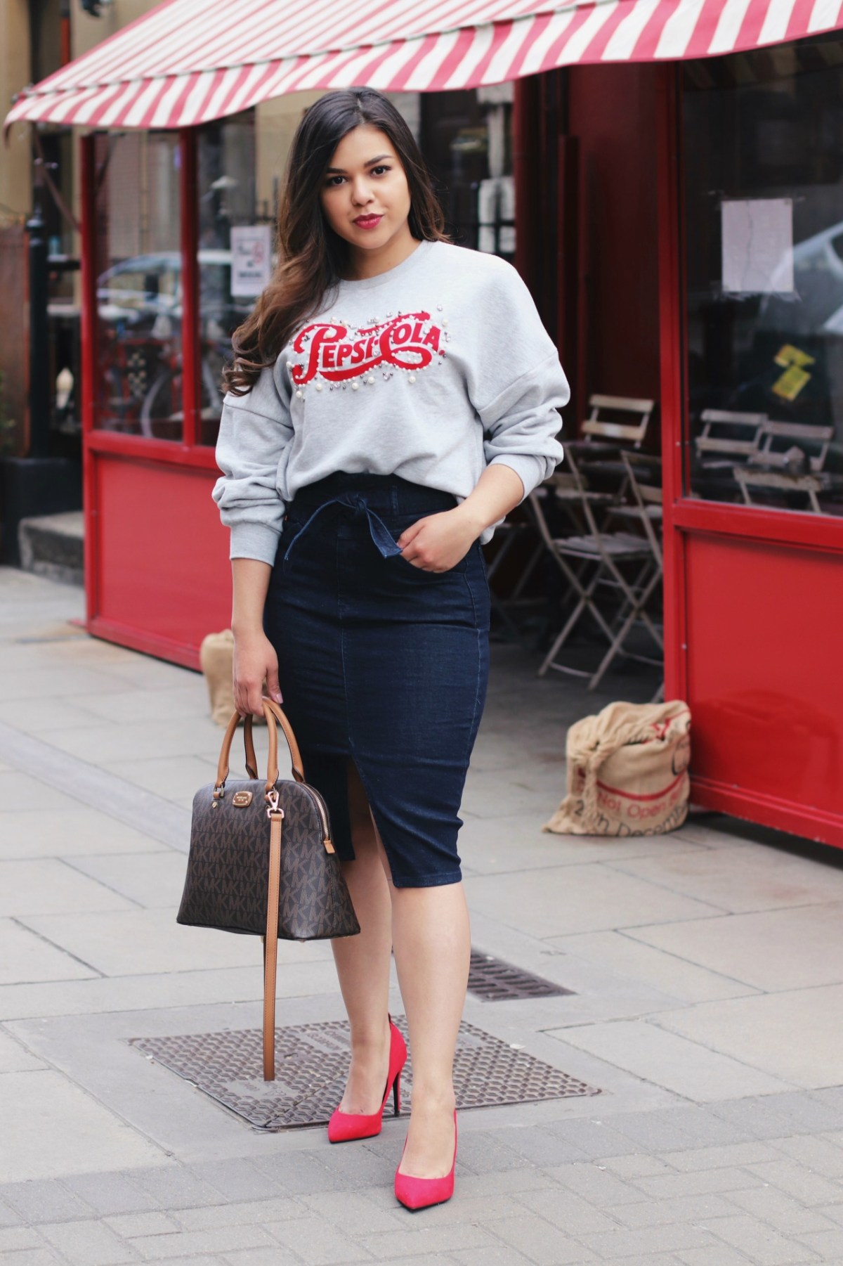 Pencil skirt sweater outfit