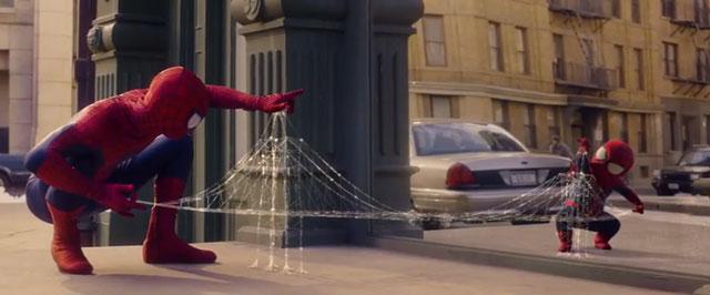 Extrait pub tv d'Evian avec Spider man adulte et enfant