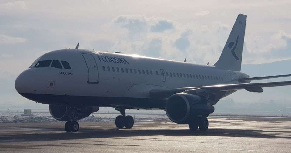 Na sarajevski aerodrom sletio prvi avion nove bh. kompanije FlyBosnia - undefined