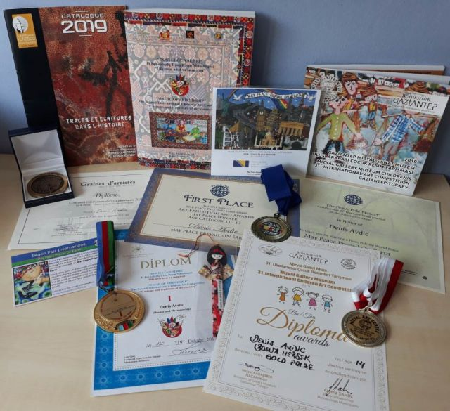 Dio priznanja u bogatoj riznici trofeja Denisa Avdića - undefined