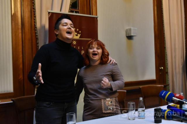 Azra Dedić i Marija Šerifović - undefined