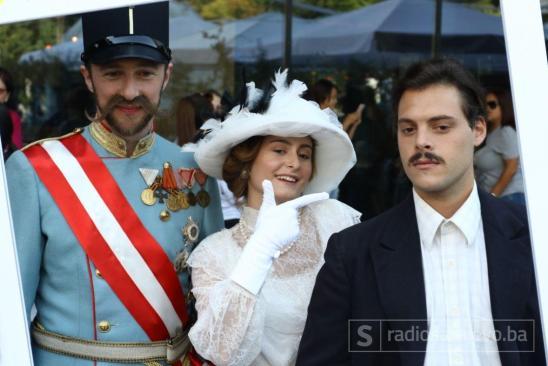 Foto: Dženan Kriještorac/Radiosarajevo.ba/Historijske ličnosti u druženju sa Sarajlijama