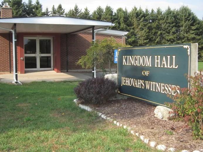 O antigo Salão do Reino das Testemunhas de Jeová na Blue Line Road em Port Dover foi vendido. Os membros restantes da congregação foram dispersos para congregações vizinhas no final do ano passado. MONTE SONNENBERG / SIMCOE REFORMER