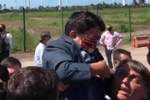 Conheça o anão que viralizou em vídeo com Jair Bolsonaro em Sergipe