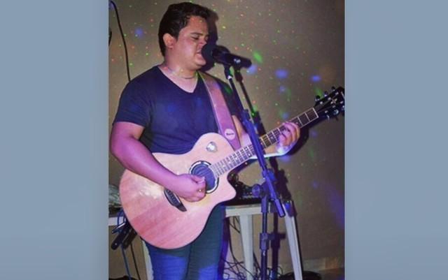 Diego Sá era cantor sertanejo e se apresentava em Goiânia e no interior, Goiás