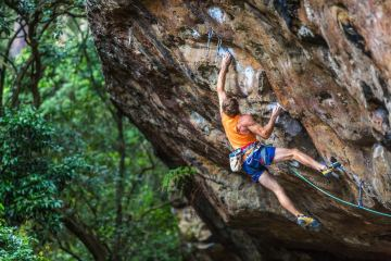 michael evans, mevans photography, anton climbing attack mode, grad 32, beginner climbing gear, nowra, nsw