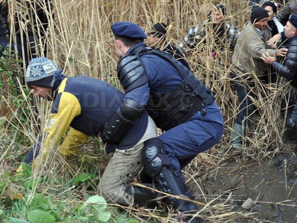 Explicaţiile Jandarmeriei pentru incidentele de la Pungeşti Mediafax.ro