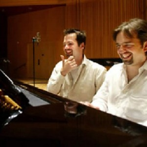 Muzicienii Peter şi Patrik Jablonski