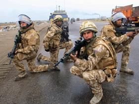 Marea Britanie suspendă orice retragere a trupelor din Irak (Imagine: Mediafax Foto)