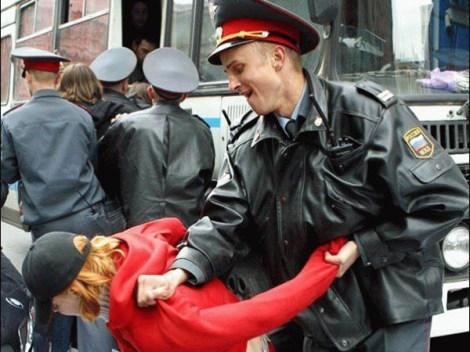Scandal la Sankt Petersburg. Violuri organizate de politisti in inchisori