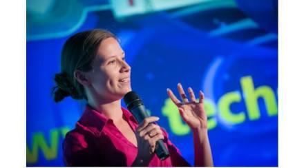 Românca Aurora Simionescu numită Associate Professor la Agenţia Spaţială Japoneză, prima non-japoneză investită în funcţie