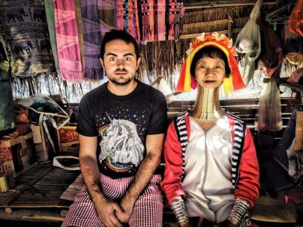 Alex Hudiţan câştigă 1 milion de dolari stând pe şezlong pe o plajă din Bali 1