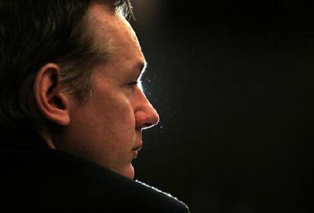 """Julian Assange: Internetul, """"cea mai mare maşinărie de spionaj"""""""