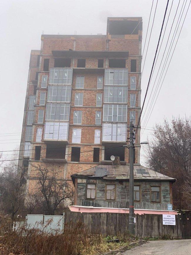 Суддя ОАСК Аблов вирішив, що 9-поверхівка на Батиєвій горі є 4-поверховою будівлею з антресолями, - ЗМІ 02