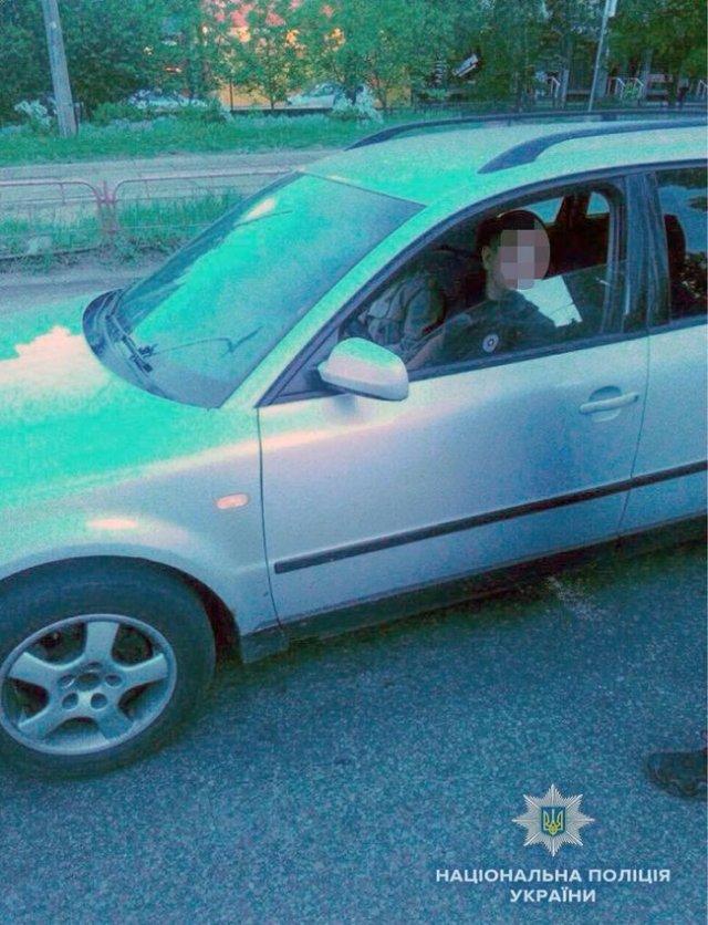 18-летний водитель в Киеве битой проломил голову полицейскому за замечание на заправке 01