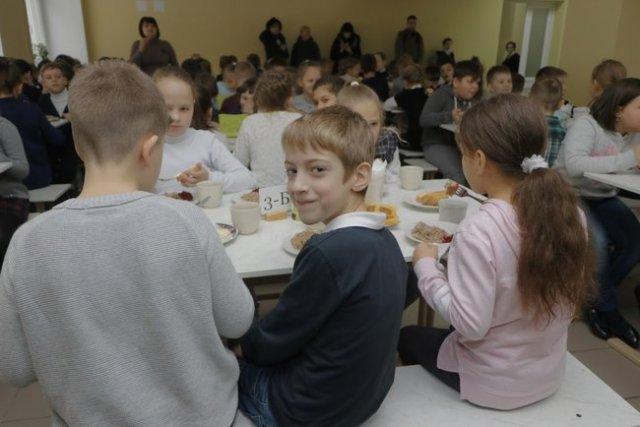 У Дніпрі батьки можуть контролювати харчування дітей у садках і школах 03