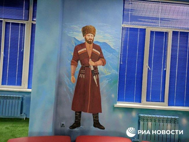 За велінням Кадирова персонажів Marvel замінили портретами чеченських героїв, які вбивали росіян 02