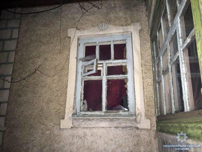Последствия обстрела наемниками РФ жилого сектора Новотроицкого 02