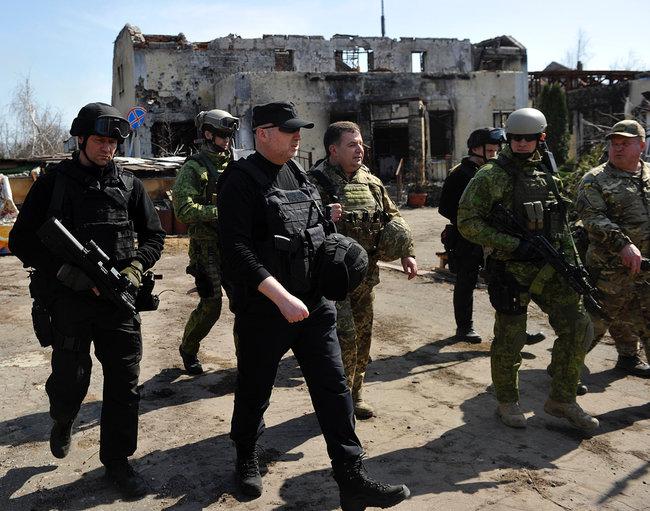Якщо Зеленський ухвалить рішення наступати на Крим - я буду в перших лавах штурмового батальйону, - Олександр Турчинов 04